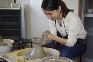茶碗を引く画像
